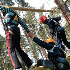 Erlebnispädagogik Klettern Hochseilgarten Klassenfahrt